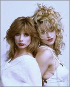 rosanna_arquette_and_madonna_photographed_by_her